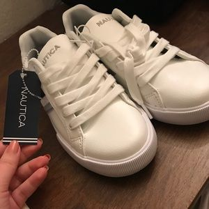 Nautica Women's Leather Sneakers Size 6.5